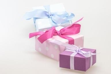 (1)_ gift-548301_960_720 (385x257)